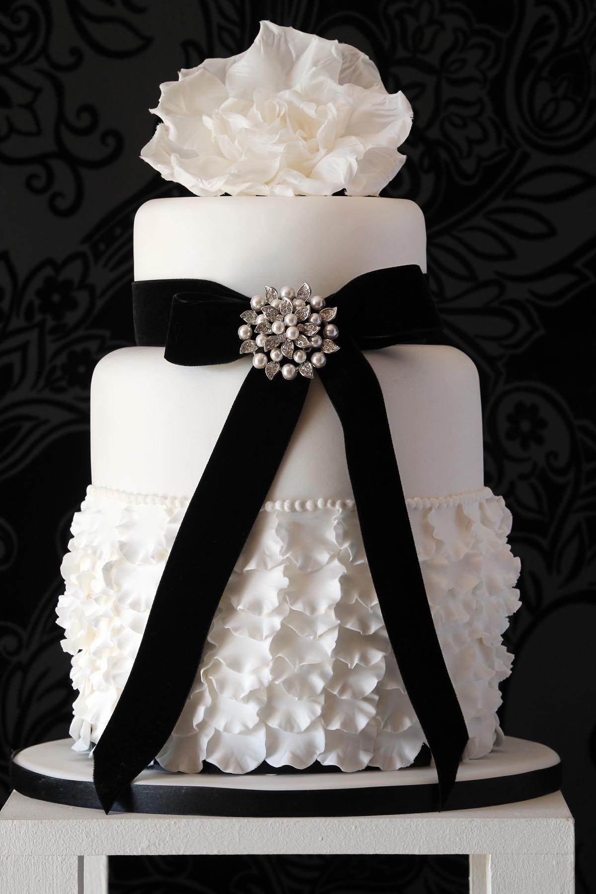 jess hill cakes beautiful designer wedding cakes. Black Bedroom Furniture Sets. Home Design Ideas